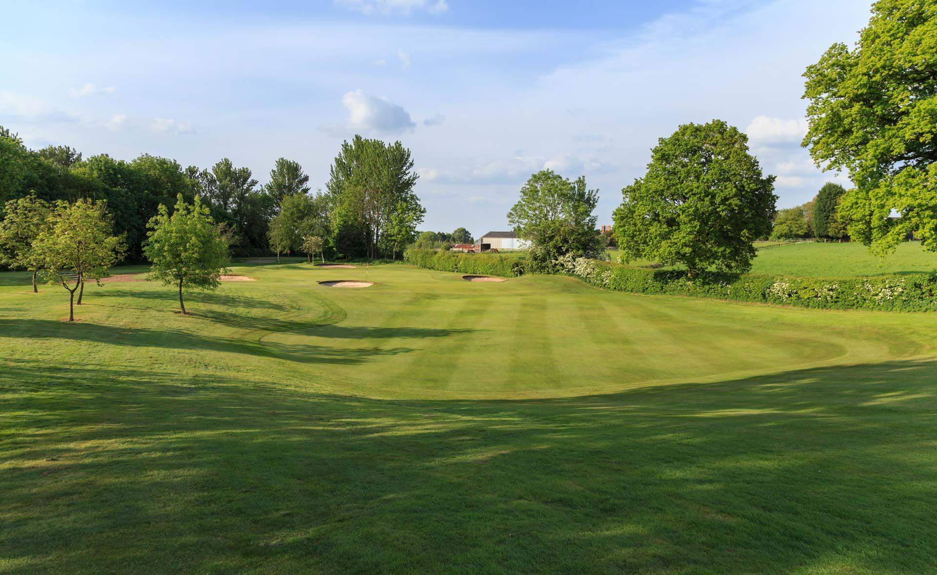 south staffordshire golf club hole 15