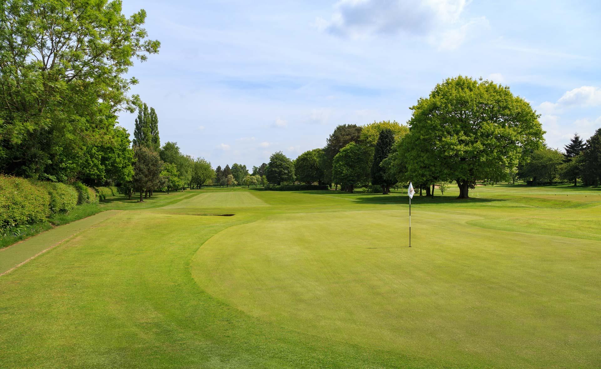 south staffordshire golf club hole 16