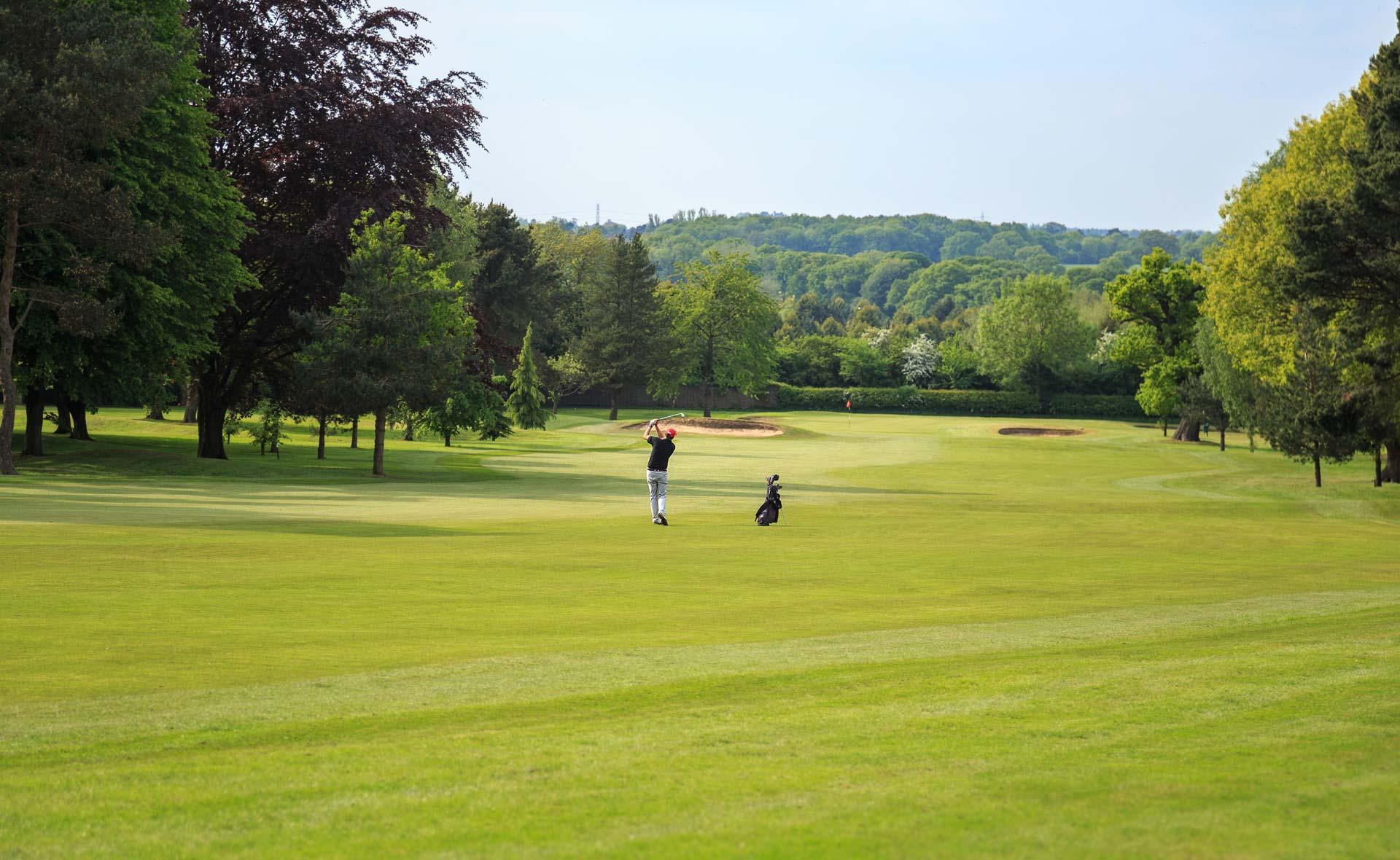 south staffordshire golf club hole 1